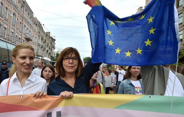 Une membre du Parlement européen de l'Alliance '90 / Les Verts, l'Allemande Rebecca Harms (2e)...