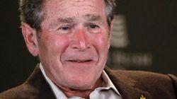 Ο Τζορτζ Μπους μοίρασε πίτσες στους άνδρες της ασφάλειας του και κάλεσε σε τερματισμό του