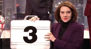 Kate McKinnon plays Nancy Pelosi