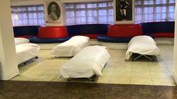 노숙자들을 위해 구장 라운지를 개조한 프리미어 리그