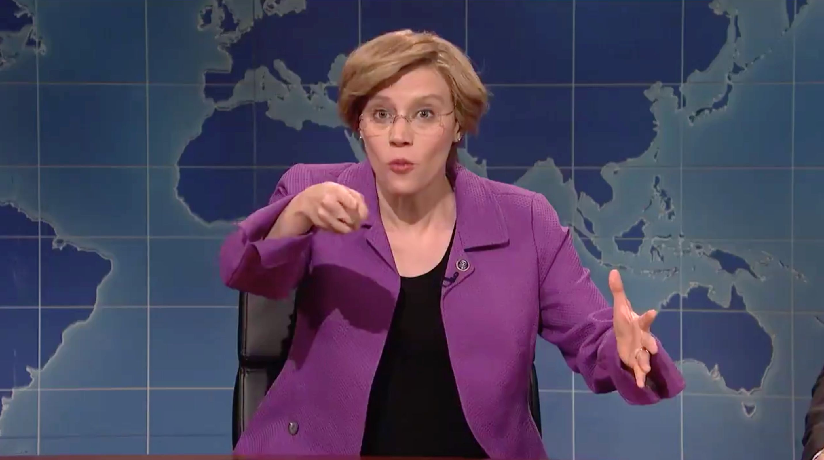 Westlake Legal Group 5c441195250000ed00c590f4 Kate McKinnon's Elizabeth Warren Is The Prostate Exam America Needs On 'SNL'
