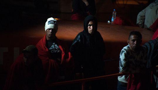 Bedoui pointe du doigt les médias, les chants dans les stades et des harragas à la quête du gain