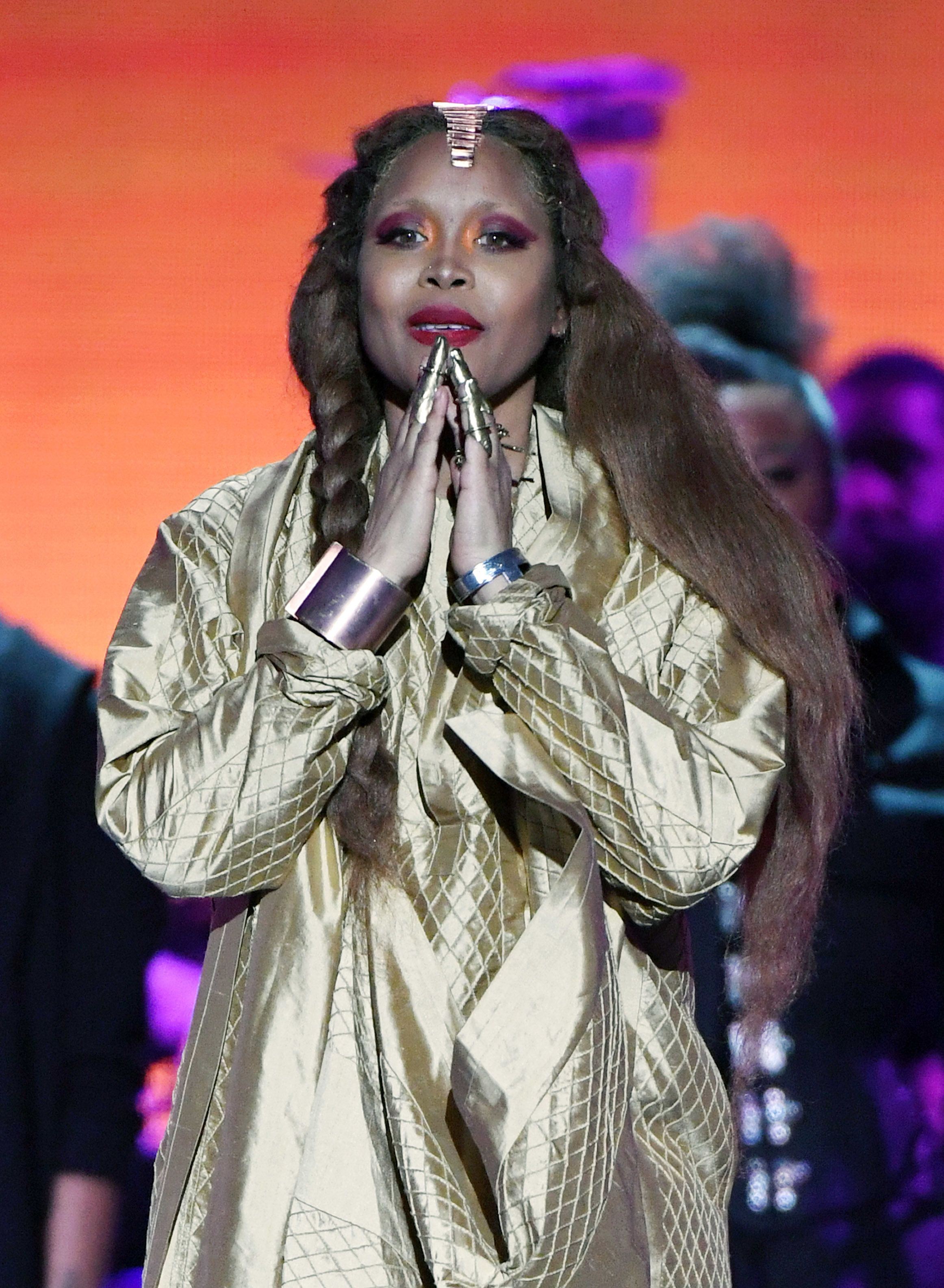 LAS VEGAS, NEVADA - NOVEMBER 17:  Erykah Badu performs onstage during the 2018 Soul Train Awards, presented by BET,  at the Orleans Arena on November 17, 2018 in Las Vegas, Nevada.  (Photo by Ethan Miller/Getty Images for BET)