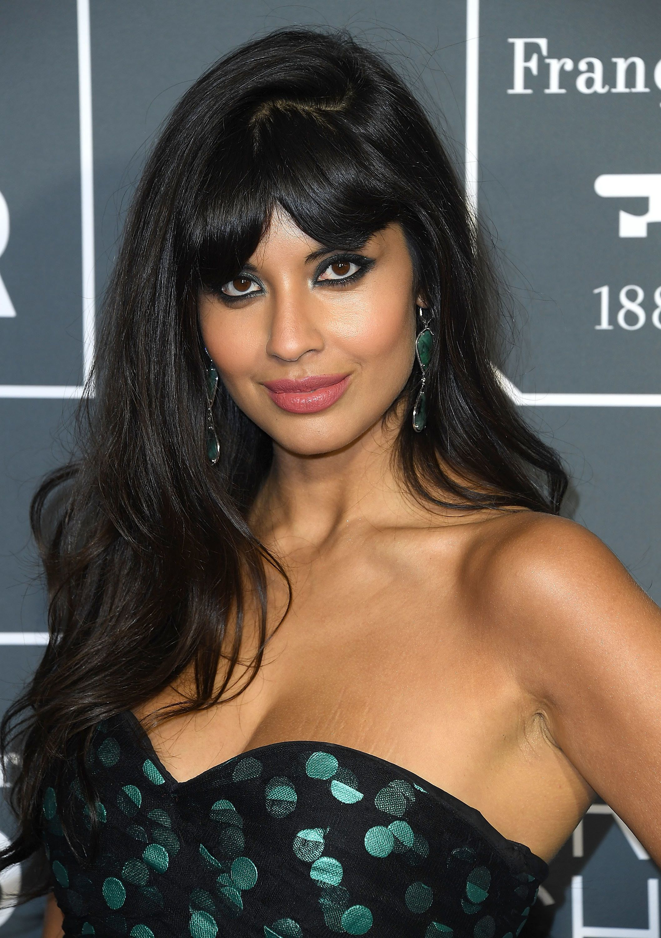 SANTA MONICA, CA - JANUARY 13:  Jameela Jamil arrives at the The 24th Annual Critics' Choice Awards  attends The 24th Annual Critics' Choice Awards at Barker Hangar on January 13, 2019 in Santa Monica, California.  (Photo by Steve Granitz/WireImage)