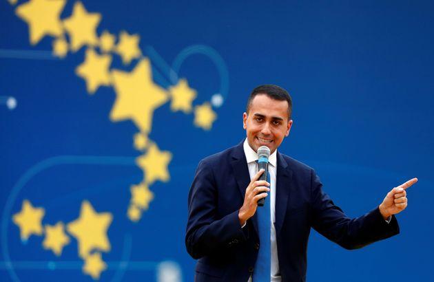 Luigi Di Maio est égalementministre du Développement économique et du Travail...