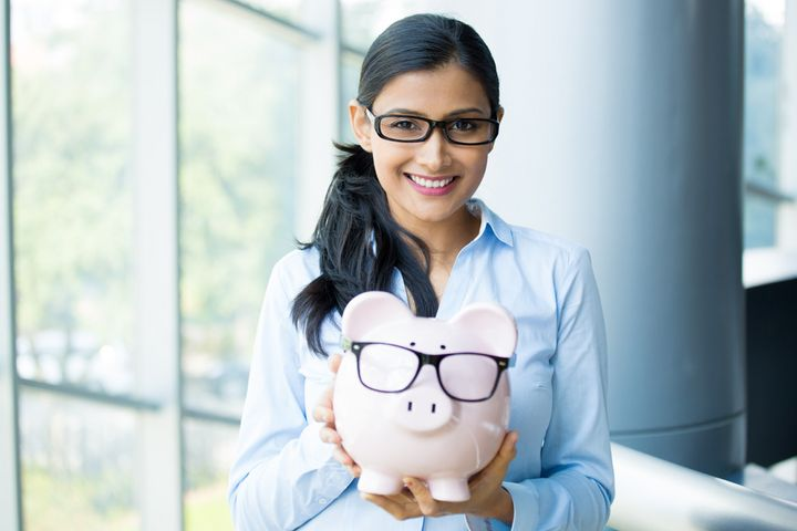<i>This woman saved so much with ELSS she bought her piggy bank a pair of glasses!</i>