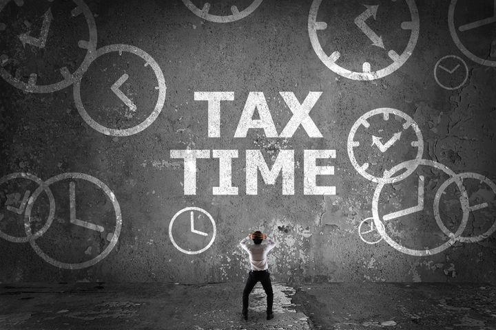 <i>&lsquo;Tis tax-time, the season to be broke-y, fa-la-la-la-la la-la my wallet&rsquo;s empty!</i>
