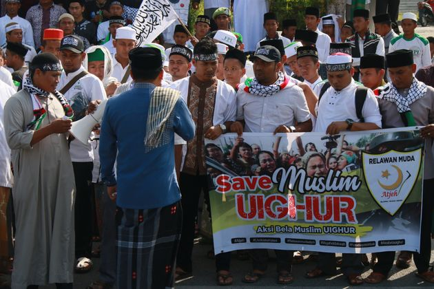 While Millions of Uigher Muslims Suffer Unprecendented Abuses In China, The World Is
