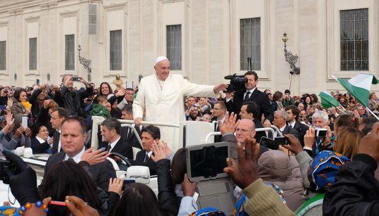 Ο Πάπας Φραγκίσκος δημιούργησε app για να προσεύχονται μαζί του οι