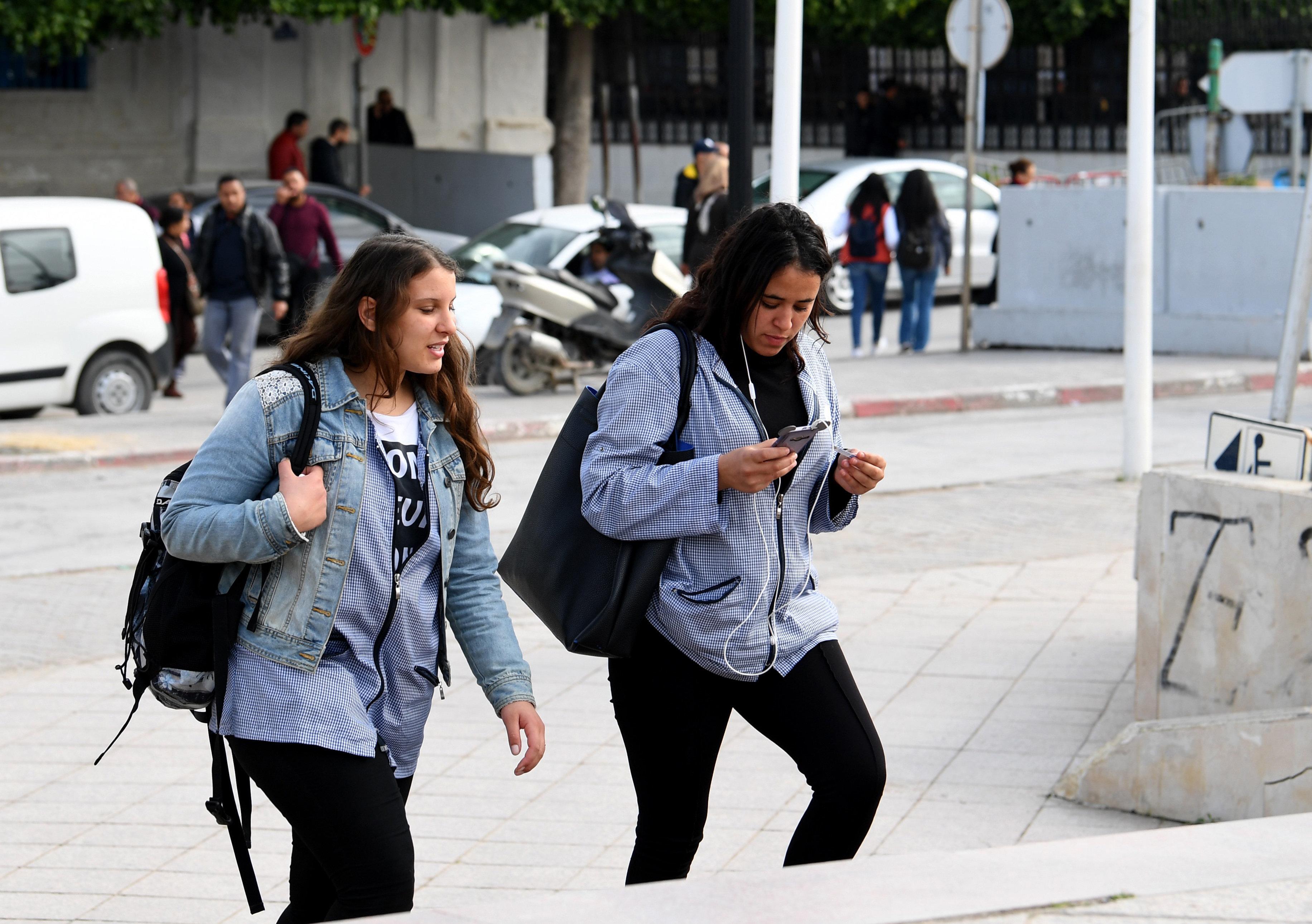 """Crise de l'enseignement secondaire: Le ministère de l'Éducation estime qu'il est encore possible de """"sauver l'année"""