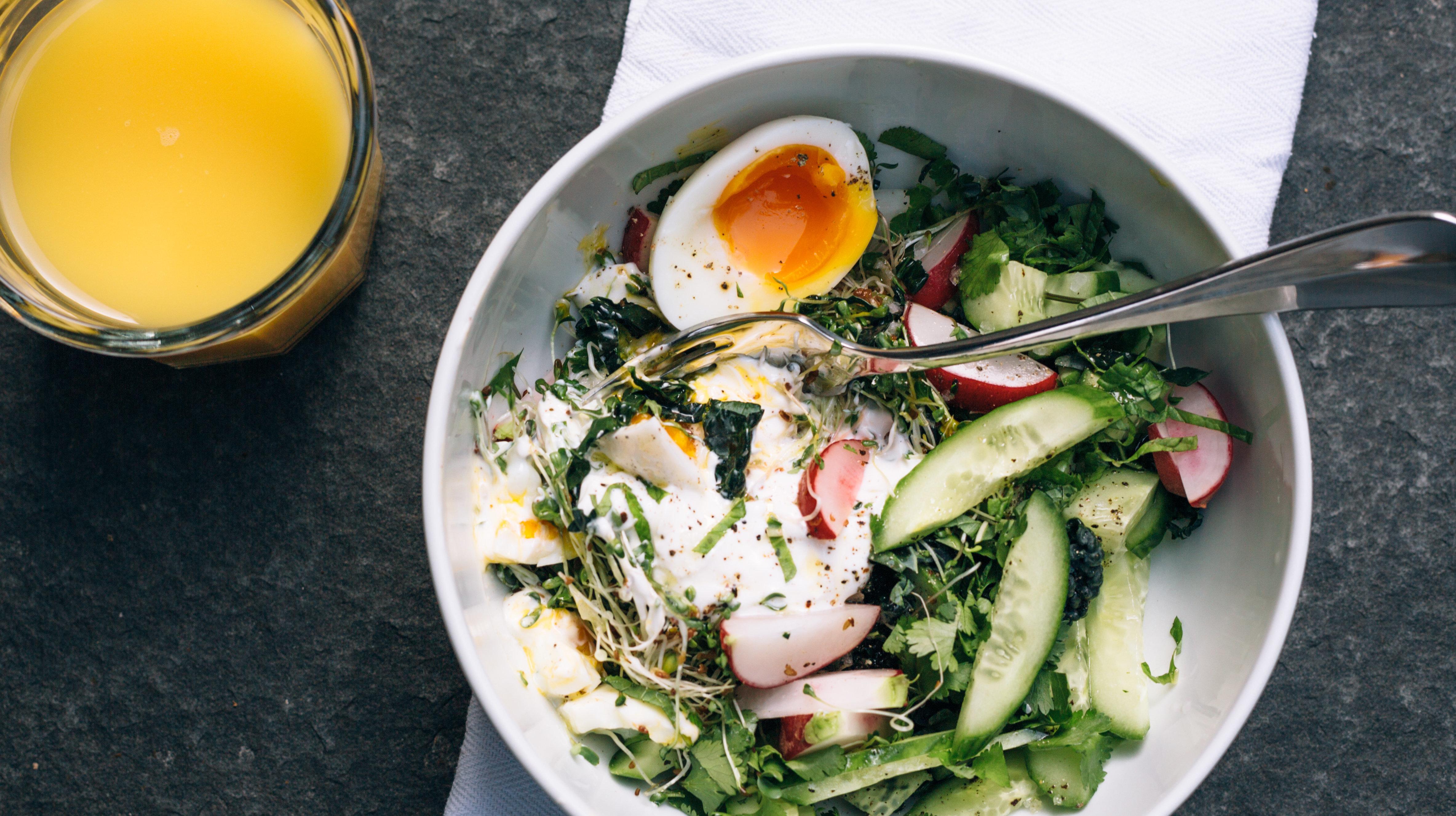Salada no café da manhã, a maneira mais saudável de começar seu