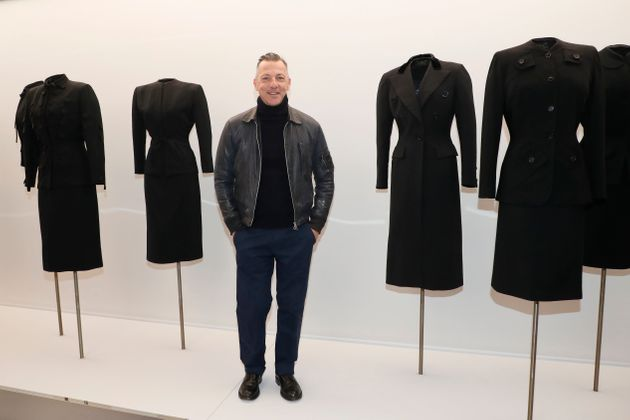 """Must see in Paris: L'exposition """"l'Art du tailleur"""" en hommage à Azzedine"""