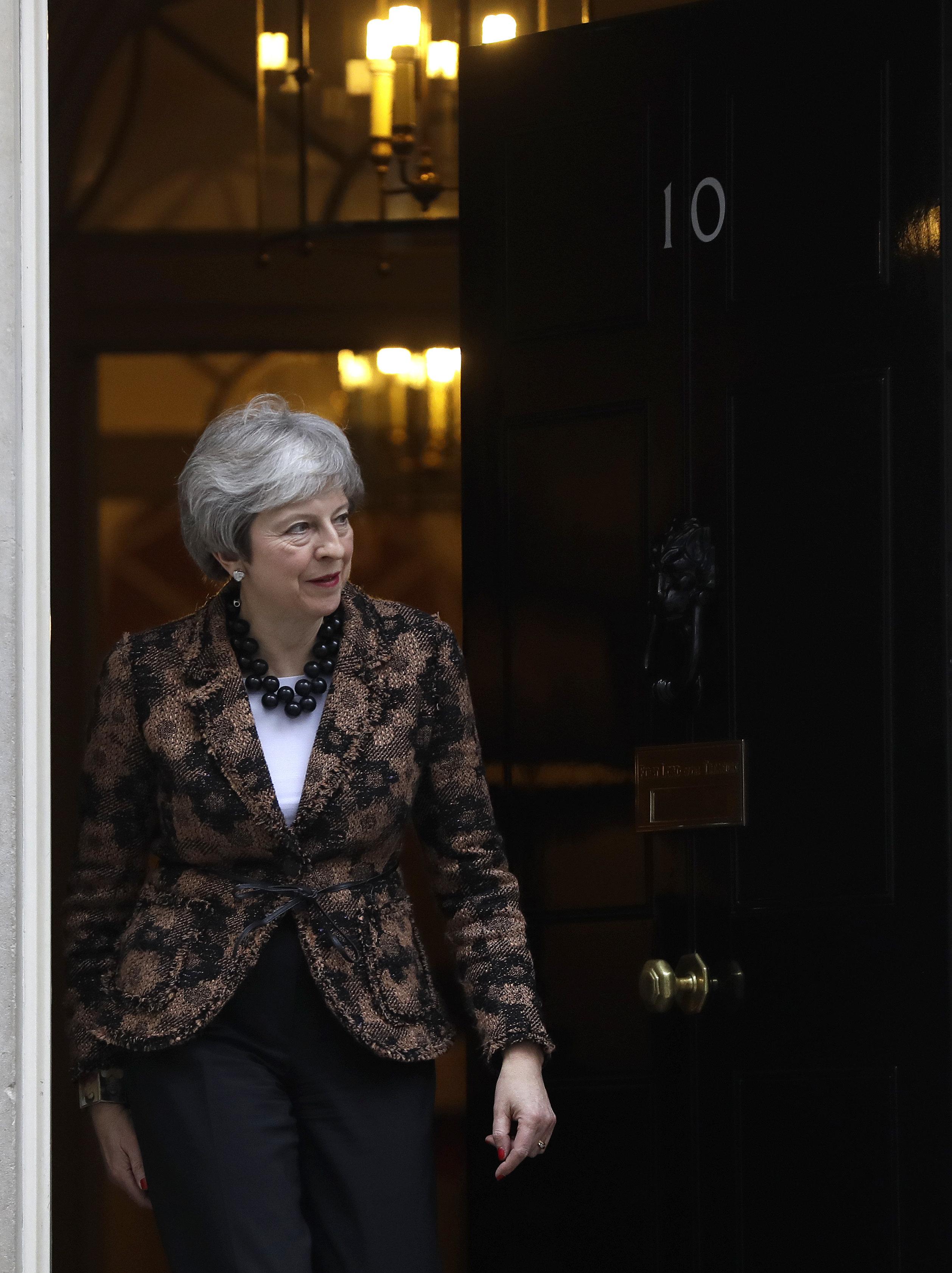 Ημέρα της Μαρμότας; Κριτική σε Μέι και το Plan B για το Brexit αφού είναι σχεδόν ίδιο με το