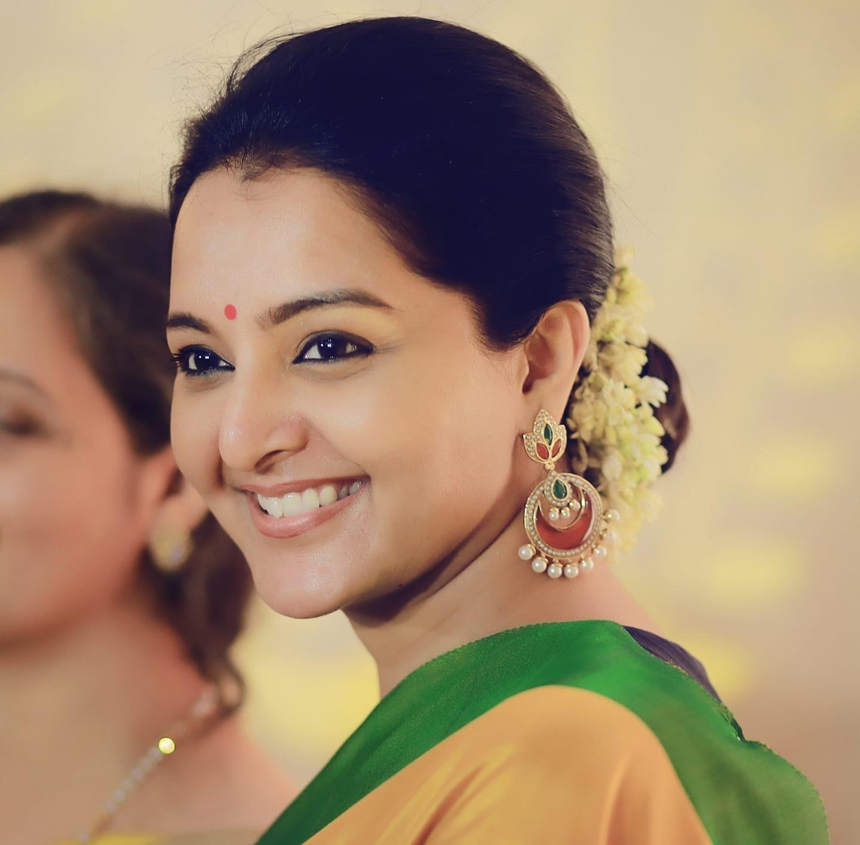 Manju Warrier To Make Tamil Debut With Dhanush's