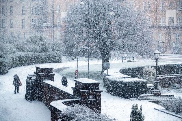 Heavy snow fall in Glasgow's West