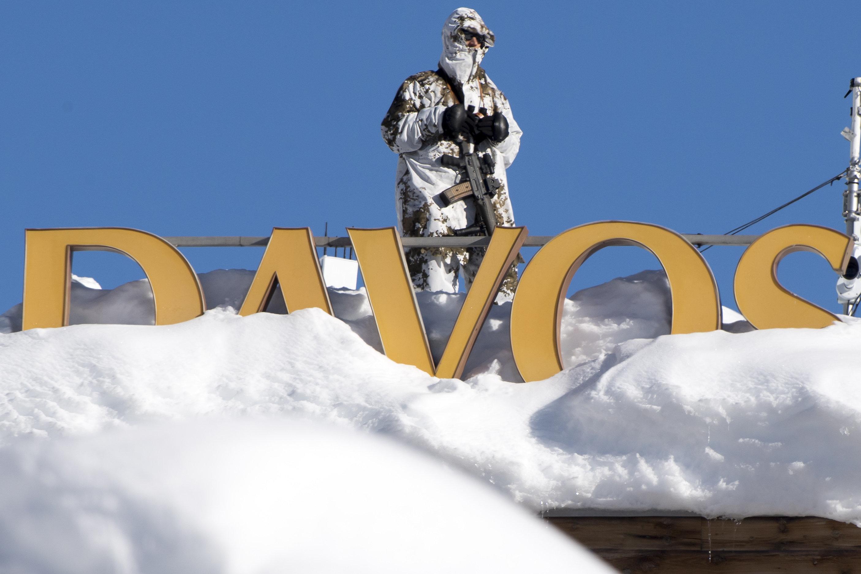 """""""Sie haben unsere Weltordnung zerstört"""": Kritiker rechnet mit Davos ab"""