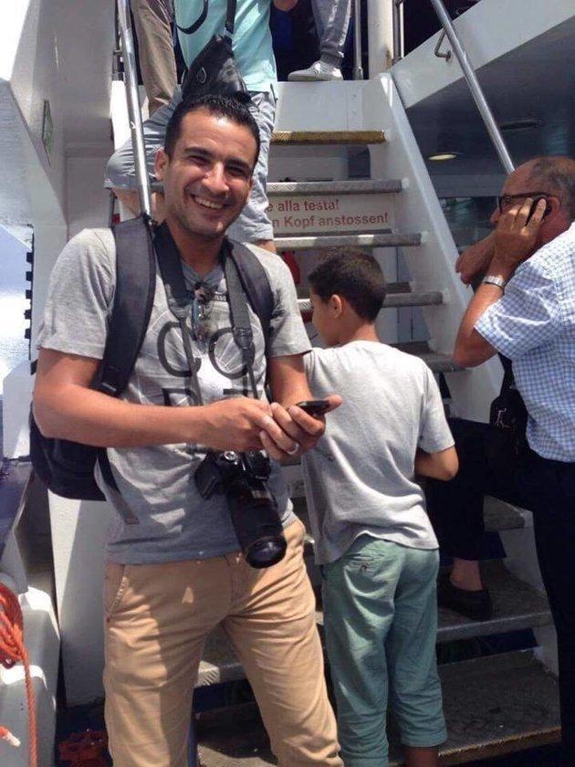 Repêchage du corps du photographe de presse Karim Benhalima au large