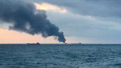 Στους 20 υπολογίζονται οι νεκροί από τη φωτιά στα πλοία στον Πορθμό του
