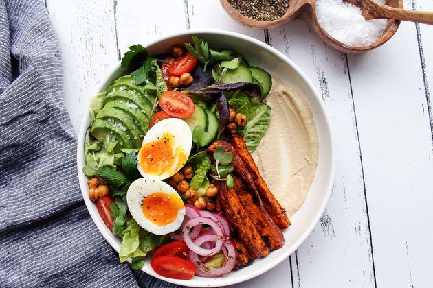 This Mediterranean Breakfast Salad Combines 2 Huge Healthy Eating