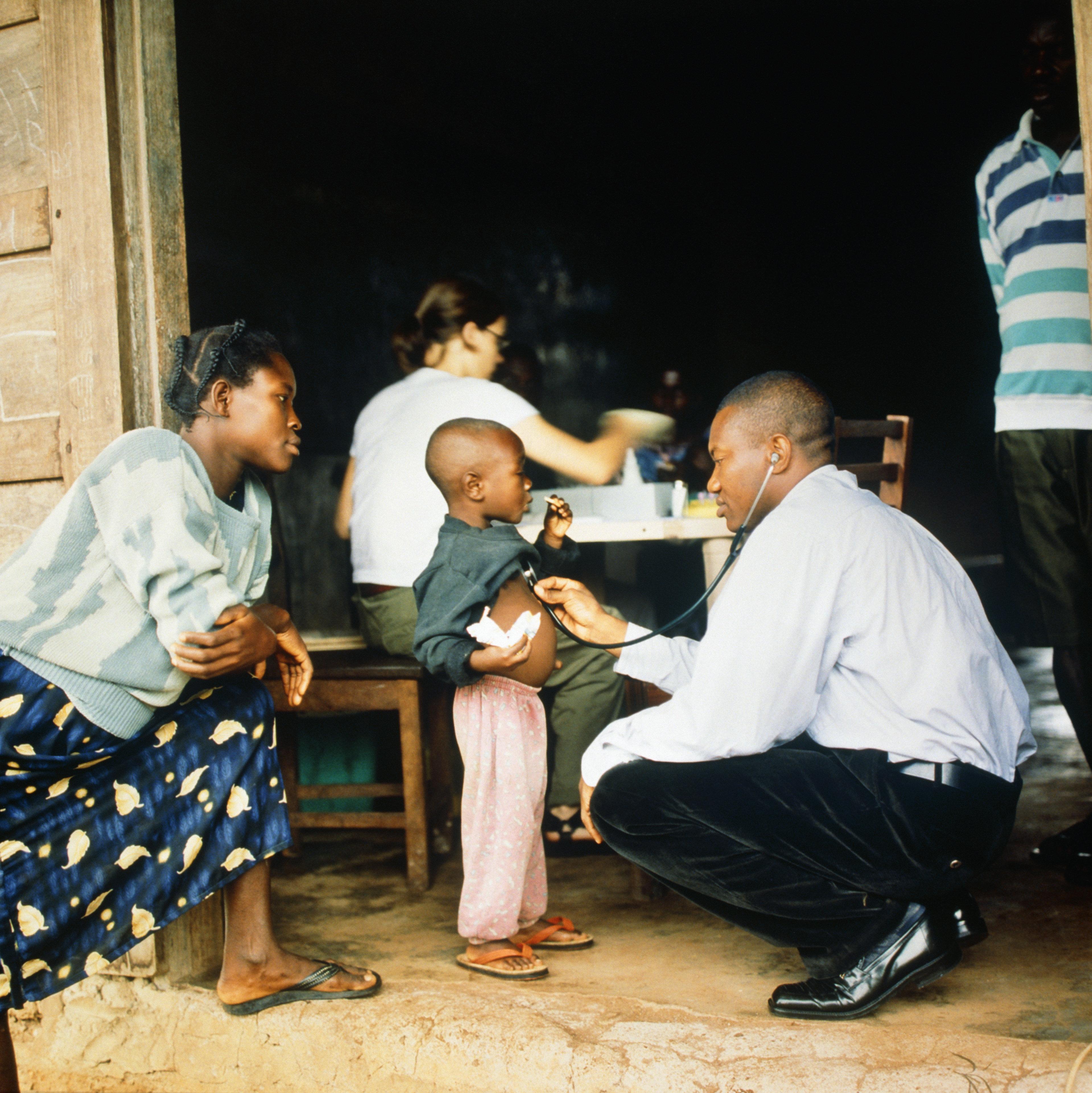 """Ce qu'il faut retenir du rapport d'Oxfam """"Services publics ou fortunes"""