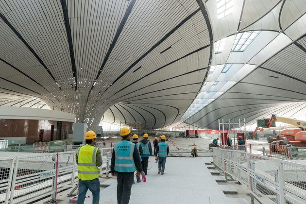 To νέο αεροδρόμιο του Πεκίνου θυμίζει ταινία επιστημονικής φαντασίας