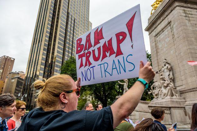 Em uma cultura tão militarista quanto a americana, excluir pessoas trans das forças armadas...