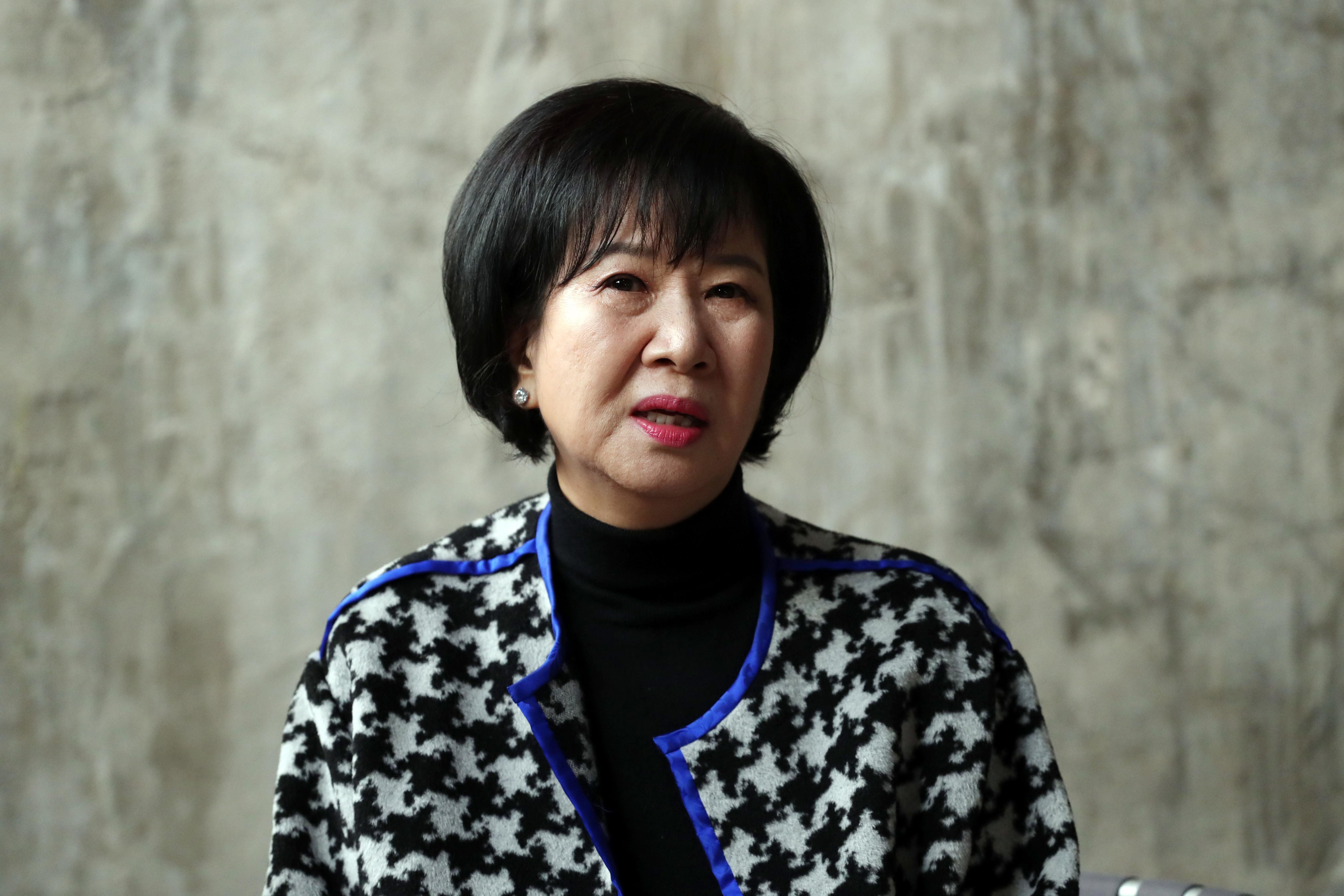 """손혜원 의원이 목포를 찾아 """"끝까지 싸우겠다""""고"""