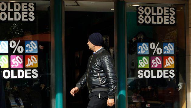 Seulement 8% des familles tunisiennes consacrent un budget pour la saison des soldes, selon une enquête...
