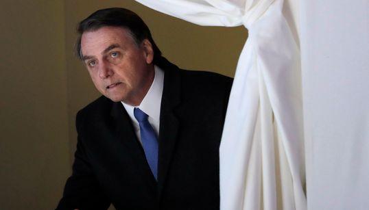 Em Davos, Bolsonaro cancela coletiva devido à 'abordagem antiprofissional da