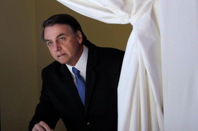 Bolsonaro cancela coletiva devido à 'abordagem antiprofissional da