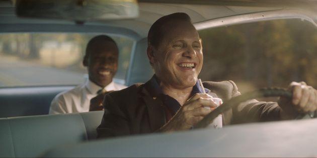 Viggo Mortensen é o motorista de Don