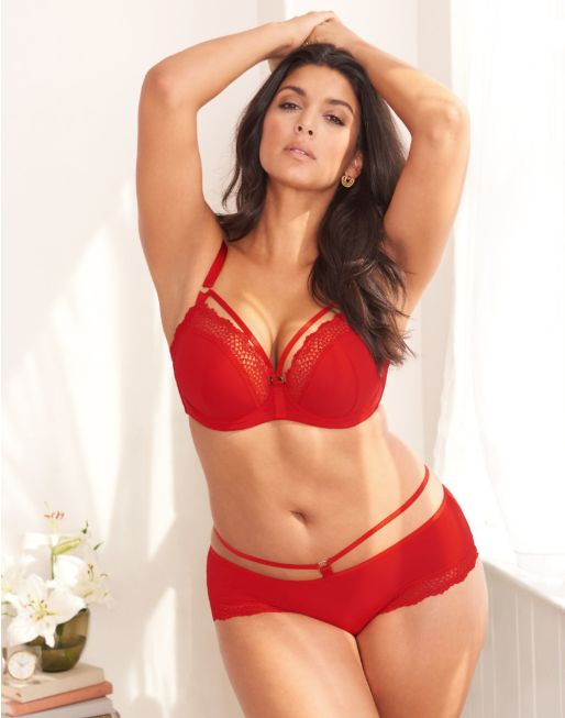 c09a20a328c 19 Stunning Plus Size Lingerie Sets That ll Make Your Valentine ...
