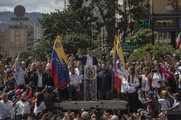 Venezuela: le président du Parlement s'autoproclame