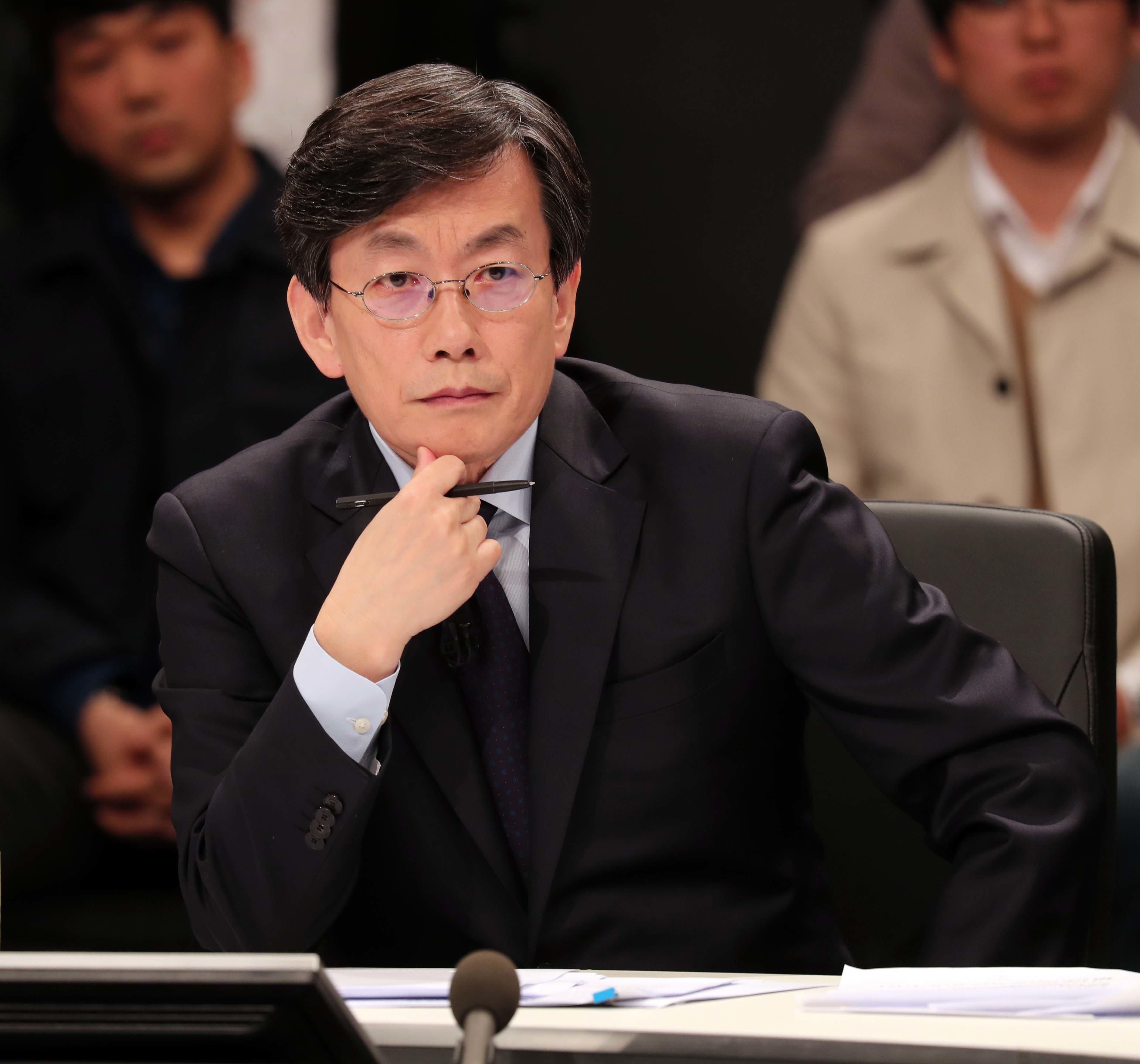 JTBC 손석희 대표이사가 '폭행설'에 입장을 밝혔다