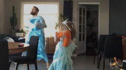 Cette danse d'un père et son fils déguisés en Reine des neiges en a épaté plus