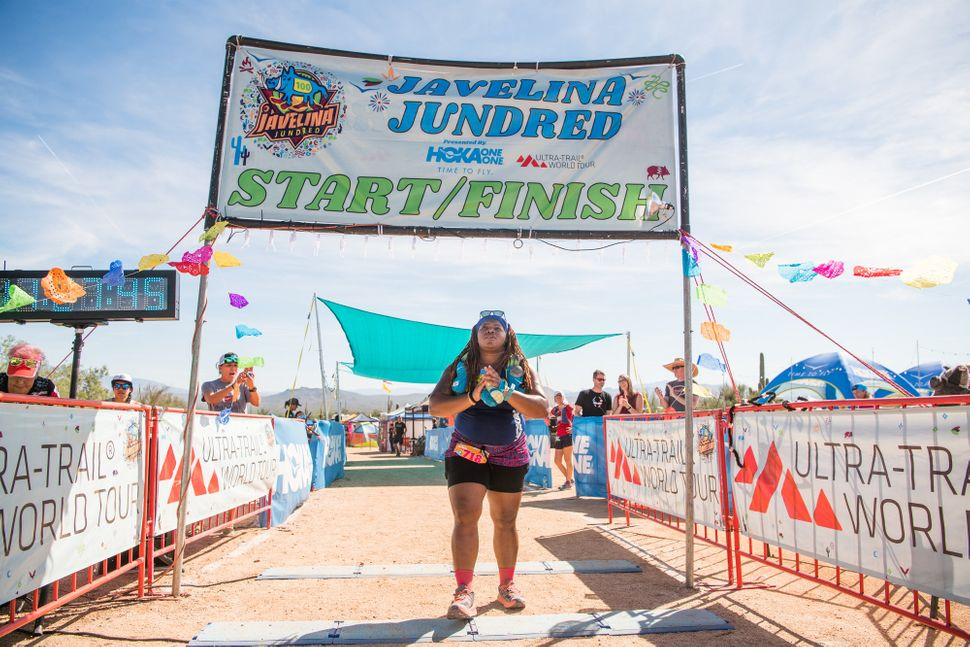 Latoya Shauntay Snell ran for a combined total of 28 hours and 27 minutes in the heat of Fountain Hills, Arizona -- breaking