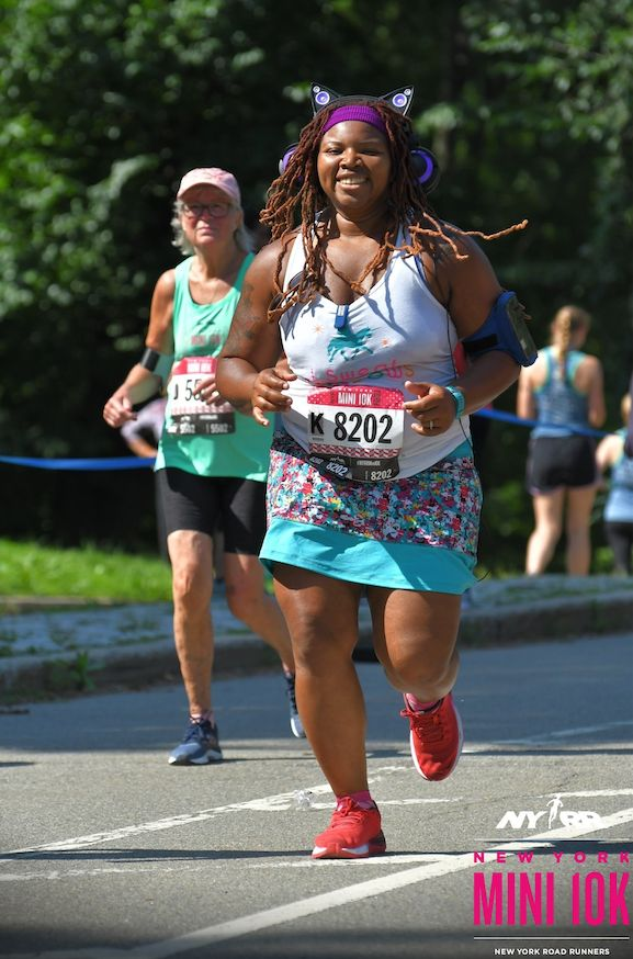 Latoya court le New York Road Runners Mini 10K en mai 2018.