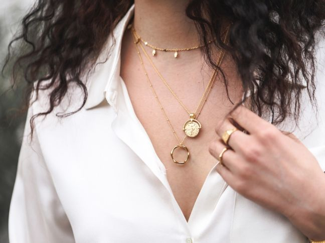 Valentine's Day Jewelry For Your Girlfriend That's Not A Heart Necklace