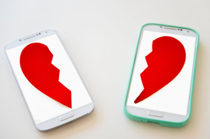 A Guide To Dealing With Social Media After A Breakup | HuffPost Life