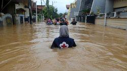 Indonésie: 59 morts dans des inondations et glissements de