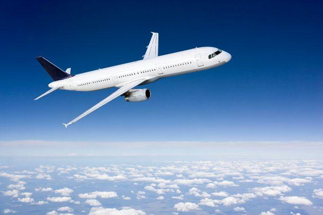 «Έβαλε» βόμβα σε αεροπλάνο για να γλυτώσει από τους γονείς