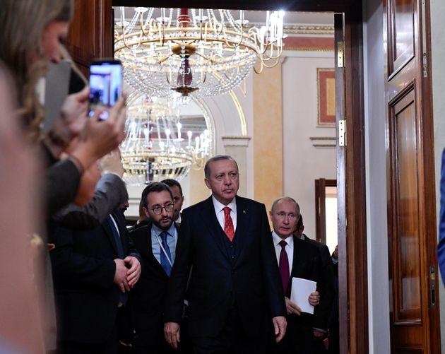 Ο Πούτιν εκμεταλλεύεται τις αδυναμίες Ερντογάν στη