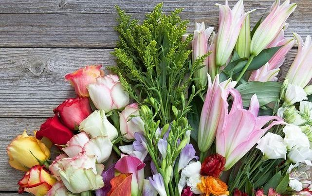 Benefits of Using an Online Flower Shop