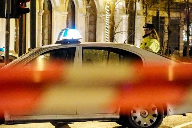 Κινητοποίηση της αστυνομίας κοντά στο υπουργείο Οικονομικών λόγω «ύποπτων»
