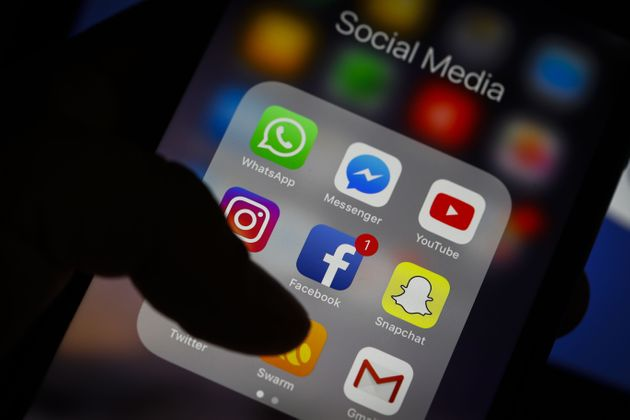 Σχέδια του Facebook για «συγχώνευση» των υπηρεσιών μηνυμάτων σε WhatsApp, Instagram και