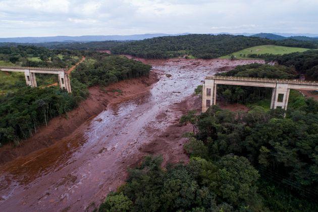 Barragem da mina Córrego do Feijão, em Brumadinho (MG), rompeu nesta