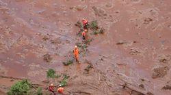Bombeiros encontram ônibus com funcionários da Vale mortos próximo à barragem de