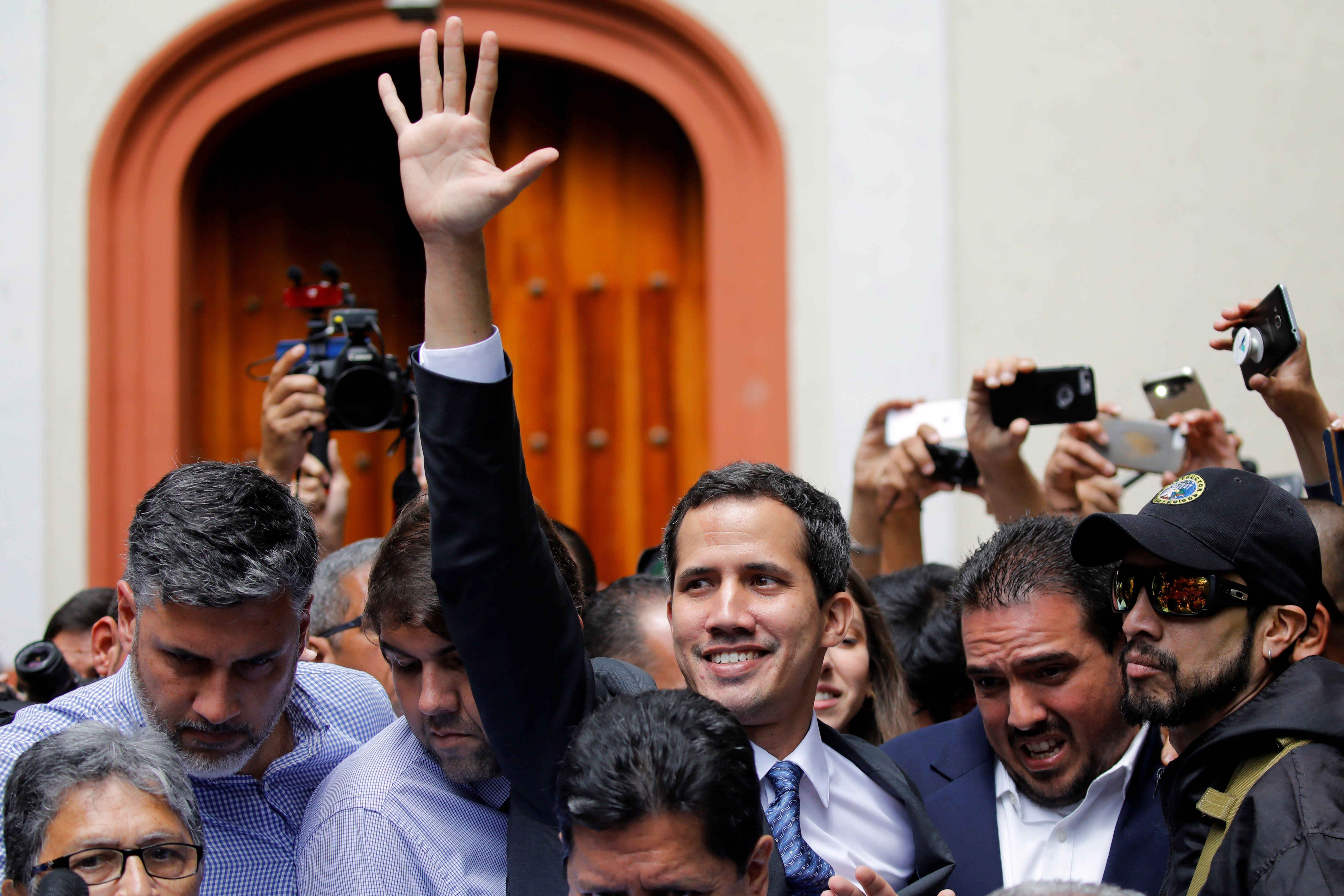 Venezuelan leader Juan Guaido claims presidency, recognised by US