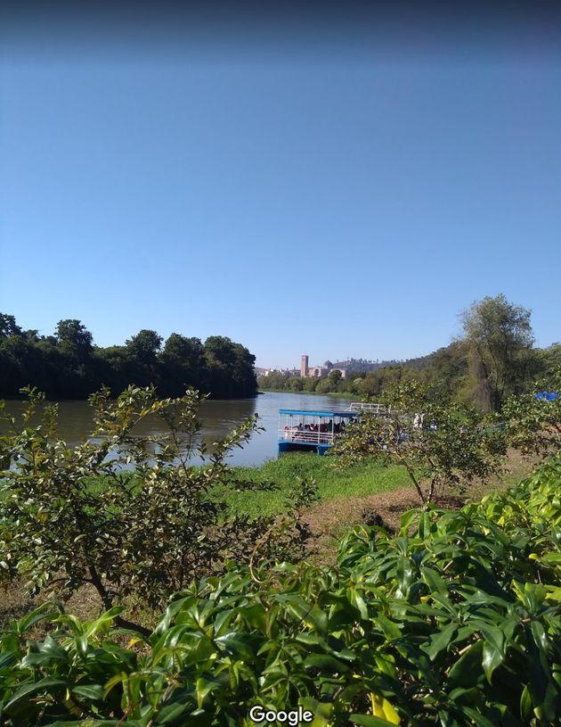 Rio Paraobeba, na região de Brumadinho (MG), antes do rompimento da