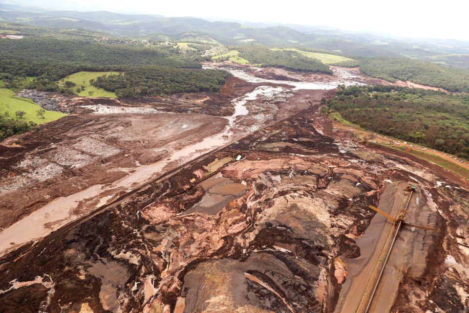 Vista aérea de Brumadinho, onde barragem se rompeu e invadiu comunidade